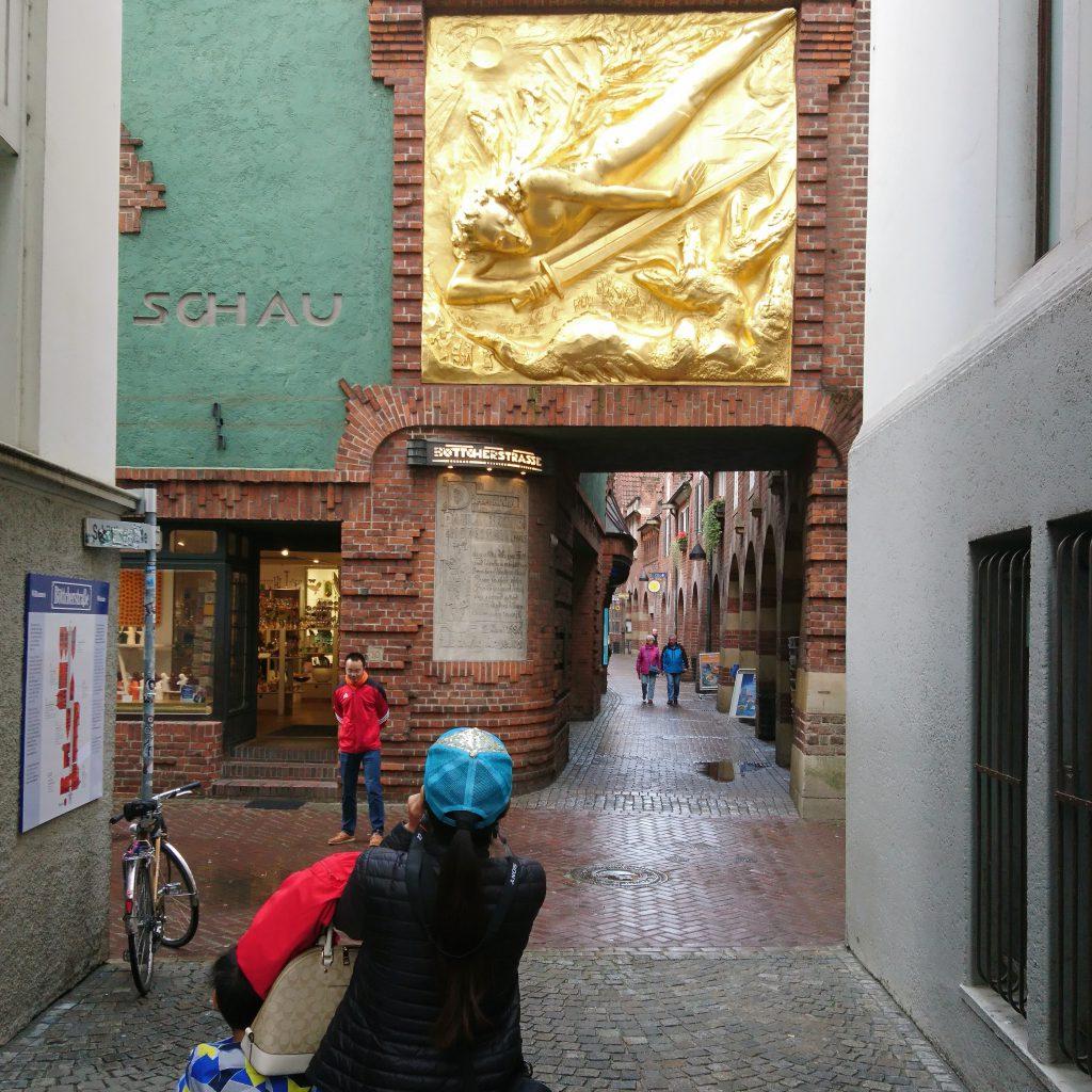 Knipsende beim Knipsen knipsen vorm Paula Modersohn-Becker Museum