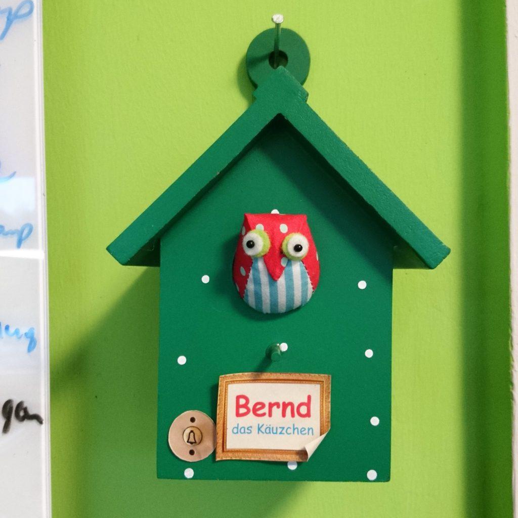 Bernd singt, was Jan ihm sagt