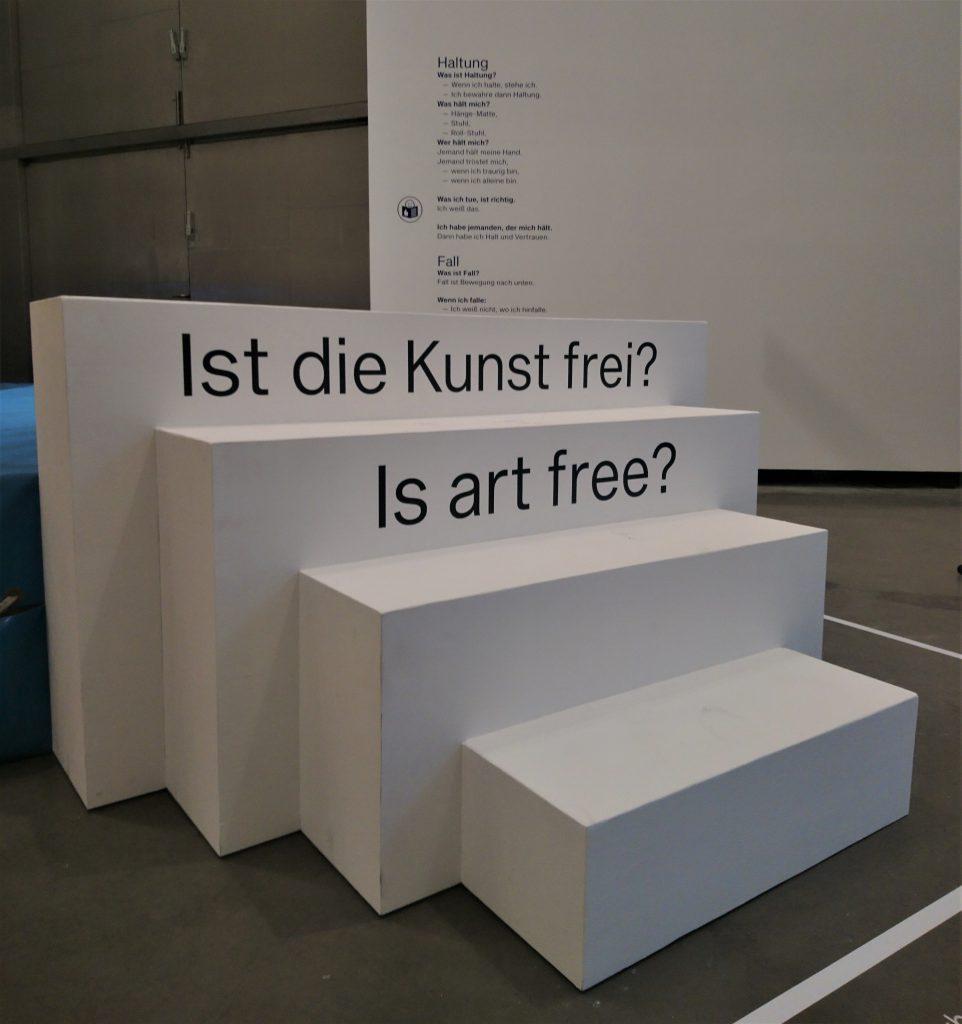 Ist die Kunst frei?